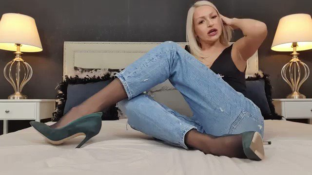 Model - Annelyce boots