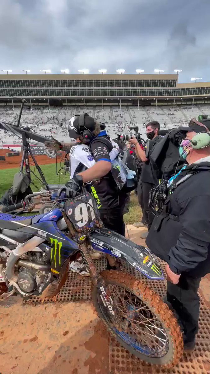 What a ride by @NateThrasher428 to grab is first career 250SX Main Event win here in Atlanta! 🏆   #SupercrossLIVE #DropTheGate https://t.co/Fh22ug3aRm