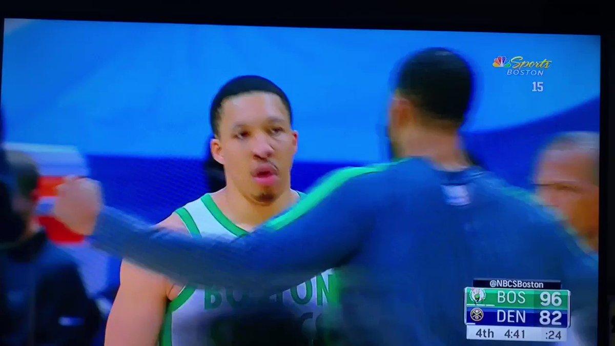 RT @JesseDampolo: Evan Turner loving some Grant Williams mean muggin' https://t.co/cqhVurE4Pw