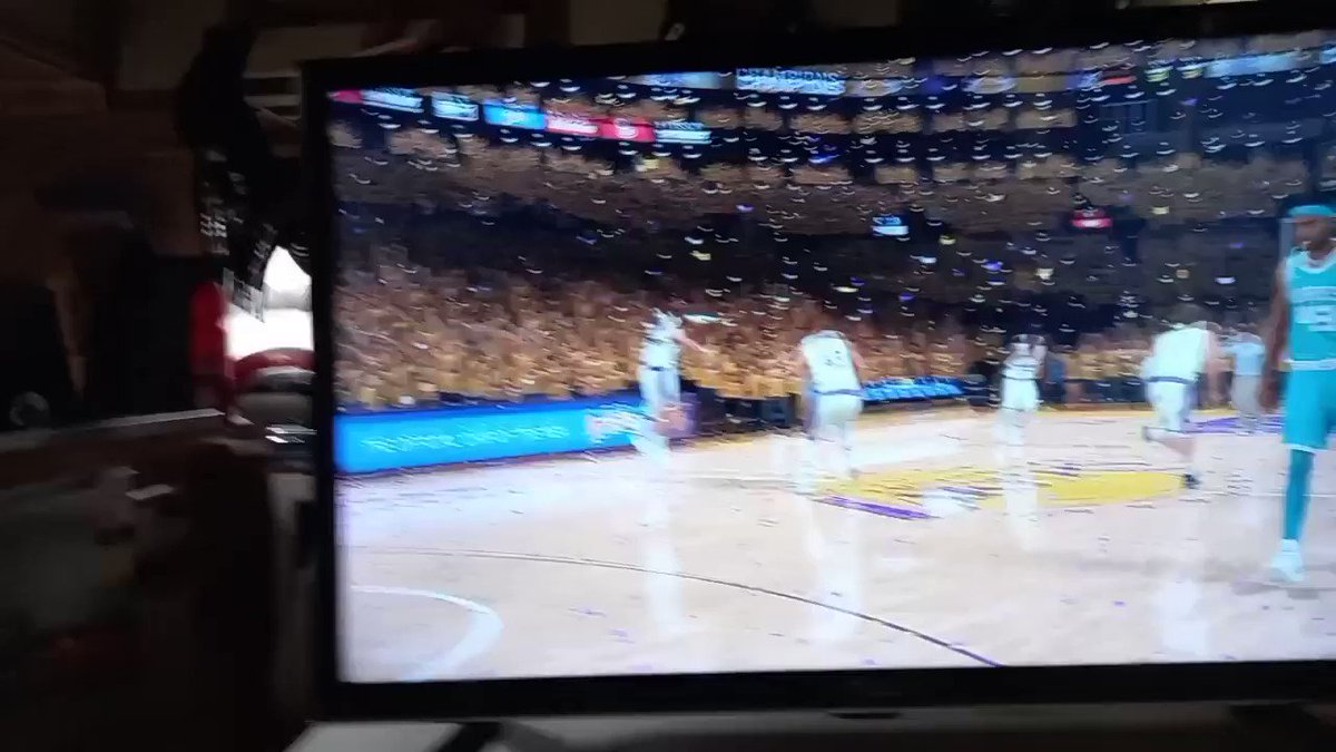 WELL DONE TO THE BACK TO BACK CHAMPS  LA LAKERS @GoatedBruhh  CONGRATULATIONS TO THE HORNETS FOR MAKING IT THIS FAR WELL DONE @SM16basketball  Who will drop of the lakers now. https://t.co/8uHWMoAMQH
