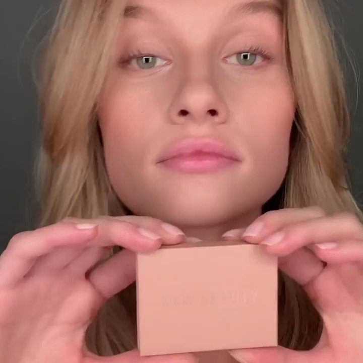 Hazel applies the new Eye Contour Duo shade Light with the Dual-Ended Eye Contour Brush, and finishes the natural look with Glossy Lip Balm. Shop her look tomorrow, 4.15 at 12PM PT. https://t.co/qHsw10YtXQ
