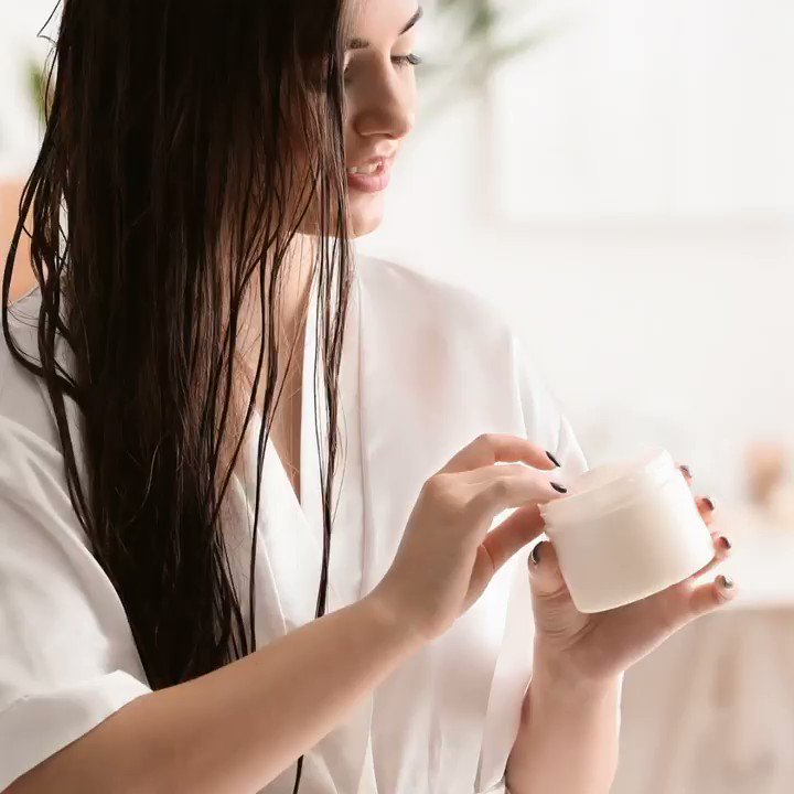 Spring weather and sunshine may be great for boosting our moods, but they can also wreak havoc on our hair. Check out our tips on how to nourish your hair just in time for spring 🌸 💚 https://t.co/z6GpoPzXIm https://t.co/SKtgBfYUUO
