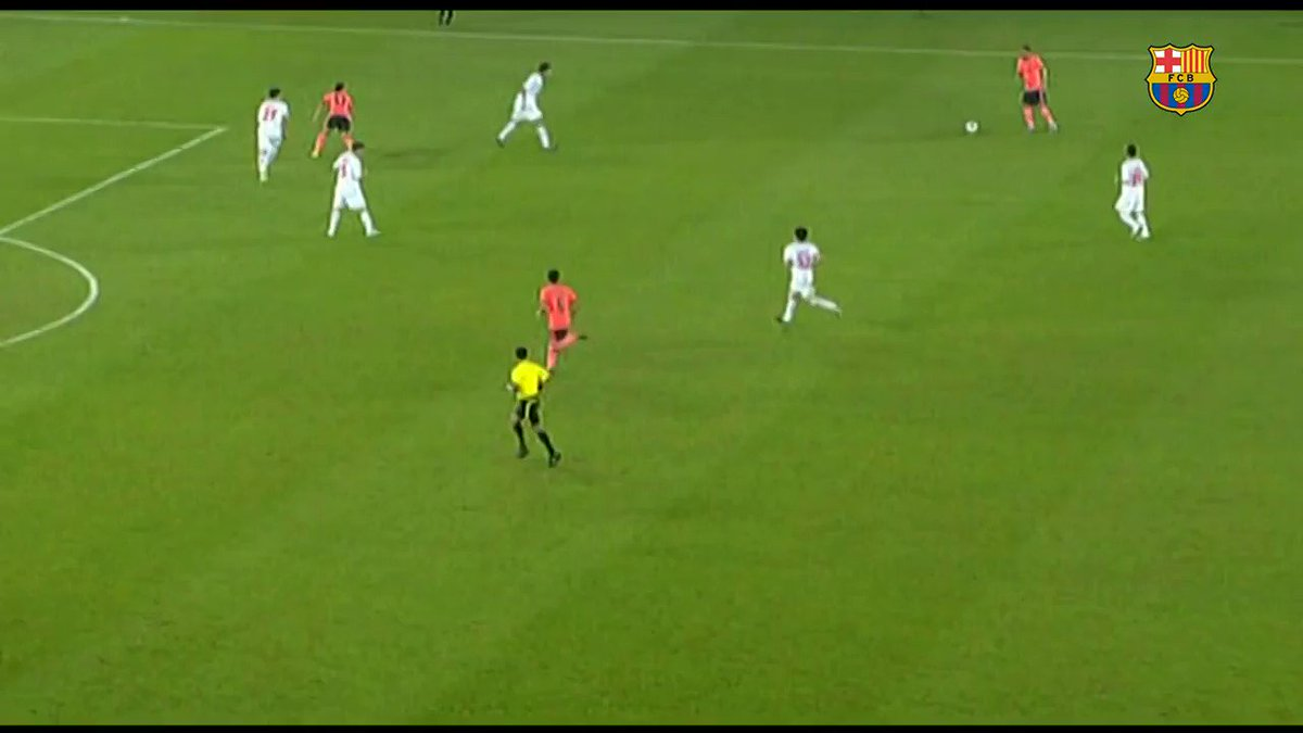 Leo #Messi's 4️⃣ @FIFAcom Club World Cup finals:  3️⃣ titles 🏆🏆🏆   4️⃣ goals 💥💥💥💥  4/7 https://t.co/YrgbBhGN6X