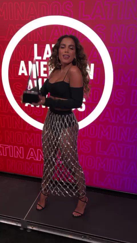 @Telemundo's photo on #LatinAMAs