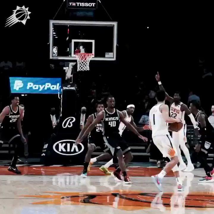 DeAndre Ayton lo hizo todo bien anoche  26 puntos 11 rebotes 10-11 TC Victoria  Primer jugador de Suns desde Gortat en 2011 en hacer un 25/10 con un 90% TC, y el tercero desde la existencia del triple.  Los @Suns van como un tiro, 40- 15 de récord  #NBA #RallyTheValley https://t.co/5as4PTLSGa