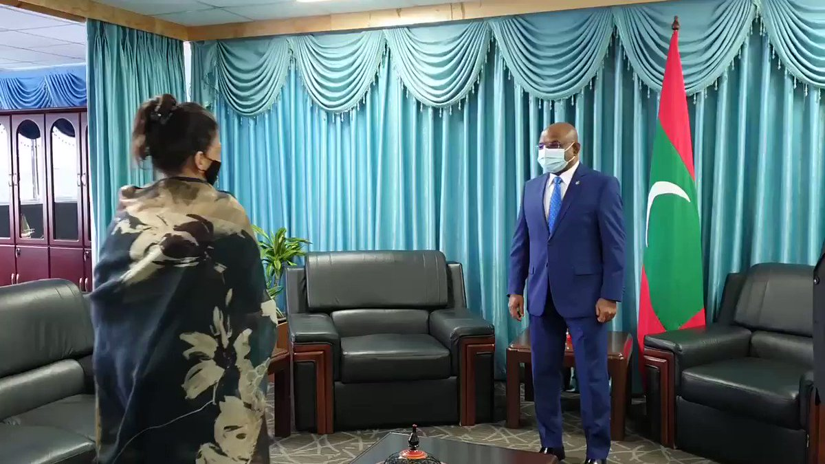 RT @abdulla_shahid Pleasure to meet with @WHOMaldives Representative Dr Nazneen Anwar and accept her Letter of Credence today. Discussed strengthening relations in #healthsector, tackling #COVID19 and other health issues. @WHO is an indispensable partner of 🇲🇻 since 1965.