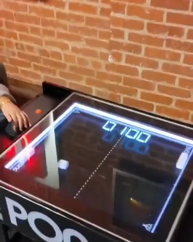 Image for the Tweet beginning: Playing the classic Atari Pong