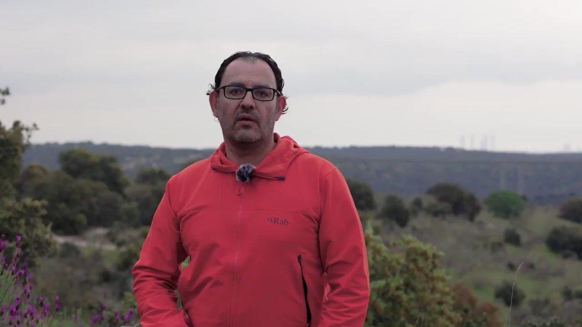 Aqui os dejo el vídeo de presentación del proyecto personal junto a @libroscom.  #crowdfunding #cincotorres #titanides #diadellibro #libros  https://t.co/9hhFBhQh8r https://t.co/AXn2plw9ib