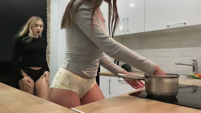 what is your favorite dish? 🤤🙈🔥  https://t.co/TeRSvossLI https://t.co/IgT9MWVHQt