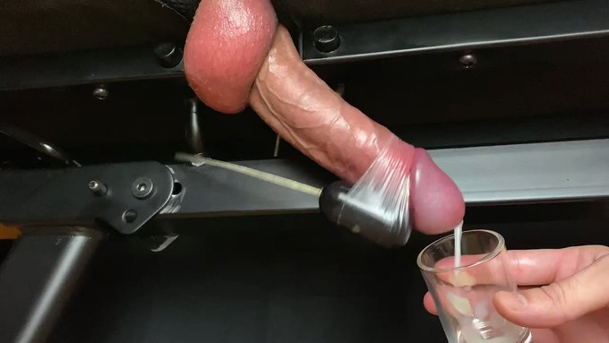 Beautiful cock milking with vibrations while moaning 😩🍆🥛 (sound on)  🌟https://t.co/FXFY5WJCRI🌟<- More