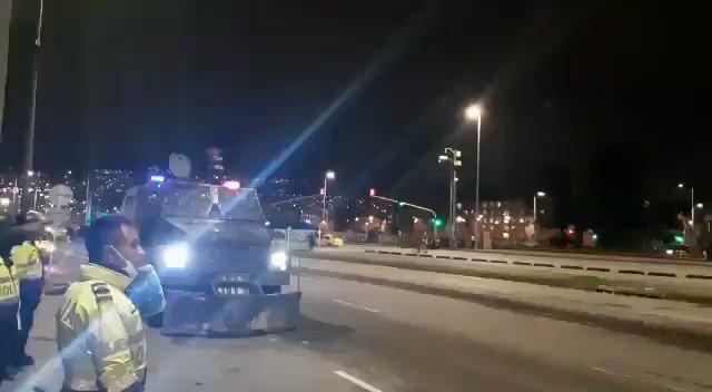 Colombia: Con testigos presenciales y verificación digital de videos hemos corroborado el uso de tanquetas con lanzadores de proyectiles múltiples dirigidos a manifestantes.  Es un arma peligrosa e indiscriminada.   @mindefensa debe dar explicaciones. https://t.co/97x2GqfU1e