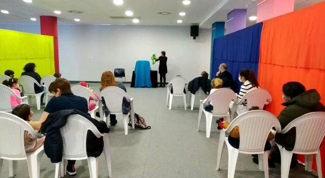 Image for the Tweet beginning: Raquel Queizás acompañounos cos seus