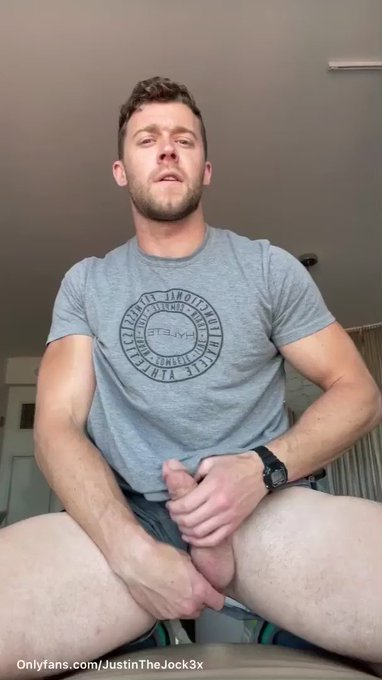 Sexy @JustinTheJocK3X is coming to see us today in Oregon 😍   https://t.co/IrFMchDCz1