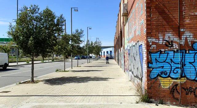 Image for the Tweet beginning: Tancar el carrer de Les