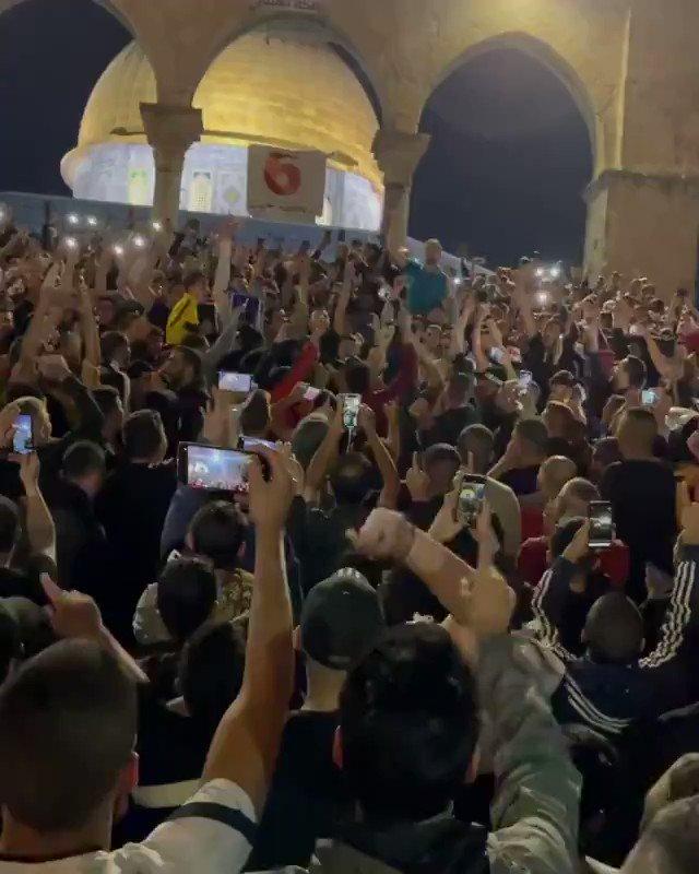 """ونحن معكم فاليهود لن ينفع معهم الأقوال بل الأفعال ... نحن في إمارة #أفغانستان الإسلامية """"#طالبان"""" نقسم بالله العلي العظيم أننا لن نتوانا عن تحرير #المسجد_الأقصى المبارك لأن هذه القضية قضية أمة بأسرها https://t.co/PS6XxyjPCv"""