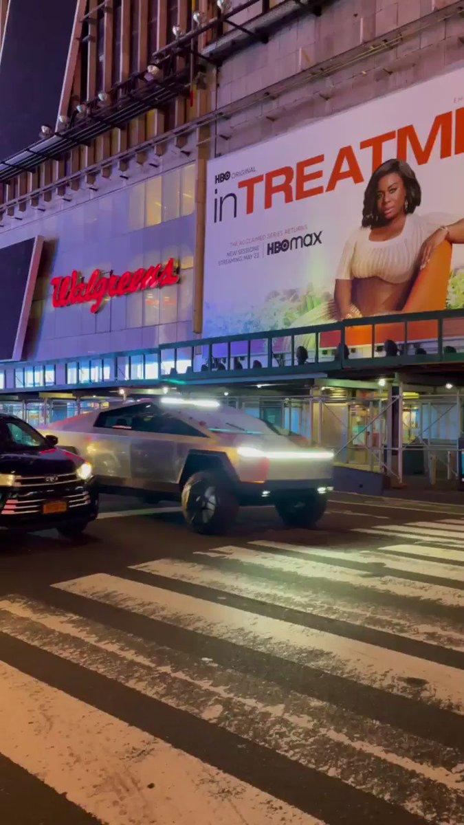 Tesla Cybertruck in Times Square.  #cybertruck https://t.co/65BIn9WNsY
