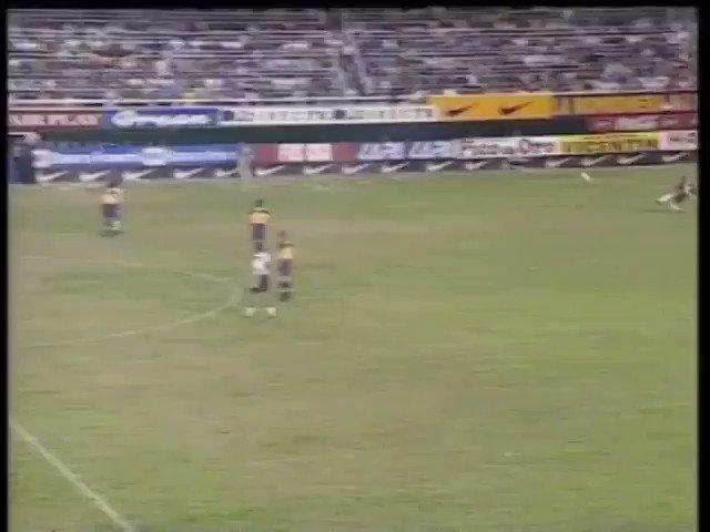 El primer clásico que me acuerdo de haberlo visto con mi viejo, te amo Martin Palermo, te amo Carlos Bianchi, te amo Boca Juniors.