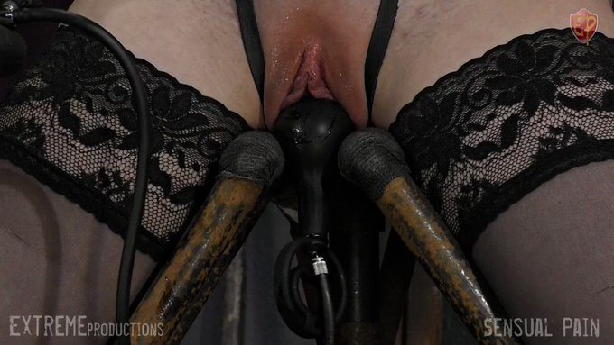 sensualpain dungeon Little mouse is back for more torture this week and this time she asked for heavy