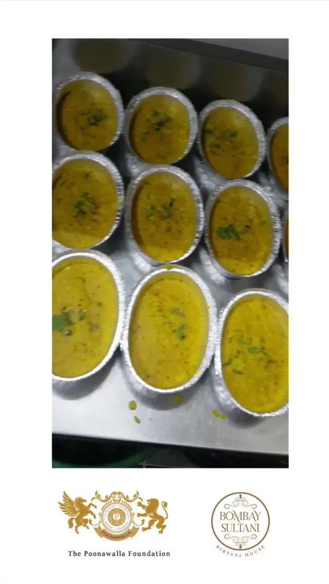 Mumbai Day 1 : The Poonawalla Foundation Begins The Mumbai Food Initiative With Fresh & Healthy Dal Khichadi Courtesy Of The Bombay Sultani By @AK_3009   Cc @tehseenp https://t.co/UfBqPUDtuR