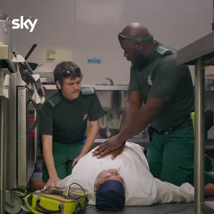 God forbid Darrel and Darryl have to give you CPR, but at least they do it with a smile... by the end of filming this scene that song was burnt into my skull #bloodsonsky https://t.co/38s3kUrSZf