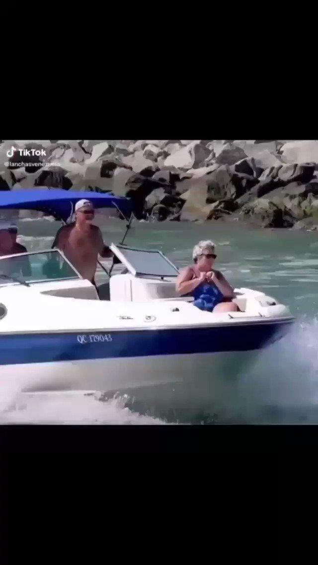 Y a su barco lo llamo LIBERTAD Jajajajaja Jajajajaja Jajajajaja Jajajajaja Jajajajaja Jajajajaja https://t.co/0WP6FoQLpt