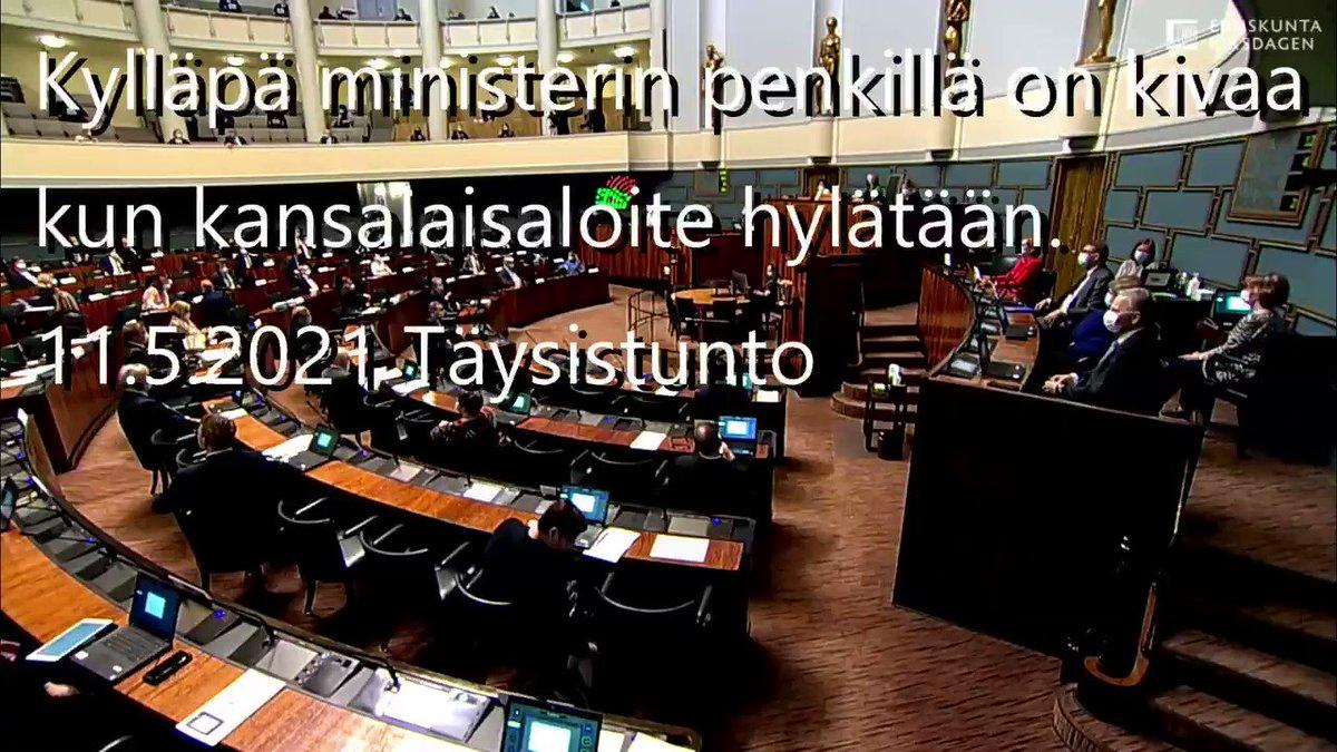 Näin paljon hallituksessa kunnioitetaan Suomen kansaa! Kansalaisaloite elpymispaketin kansanäänestyksestä hylätään ja sekös ministerin penkillä naurattaa.