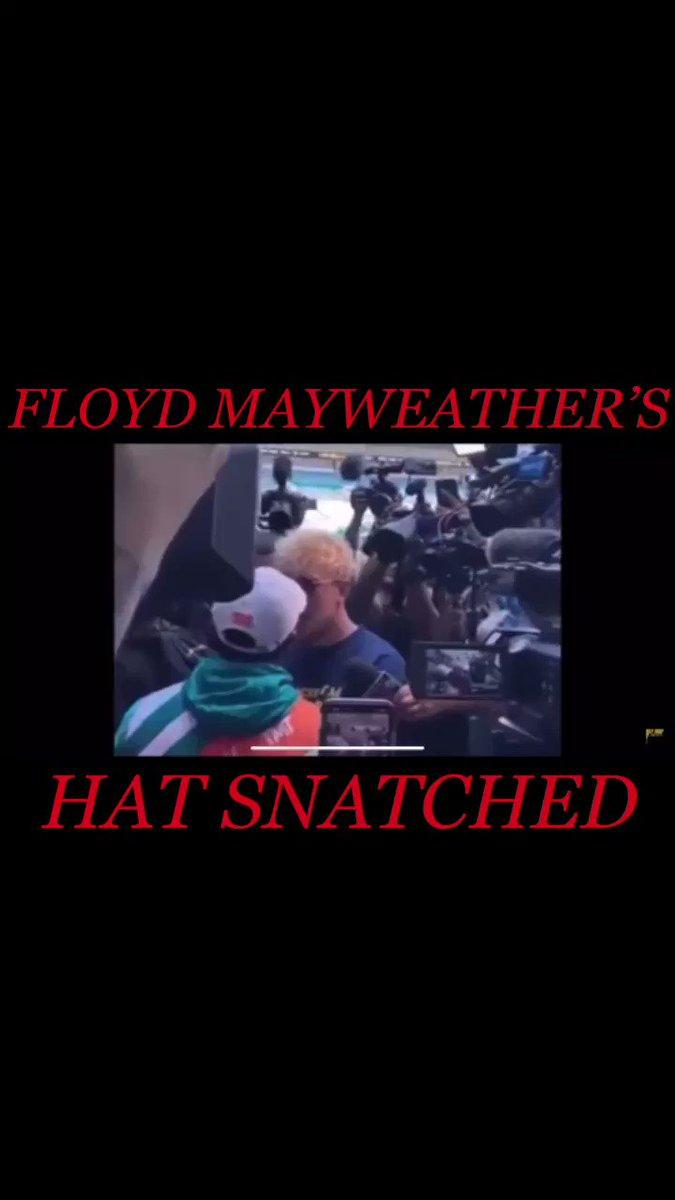 @FloydMayweather hat snatched by @jakepaul 🥊🥊🥊 • • • #floydmayweather #mayweather #jakepaul #loganpaul #boxing #fighting #boxer #fight #millionaire #billionaire #aceboogieebmw #ashantiaiken #mindofashanti #hat https://t.co/yx8WWvwxMI
