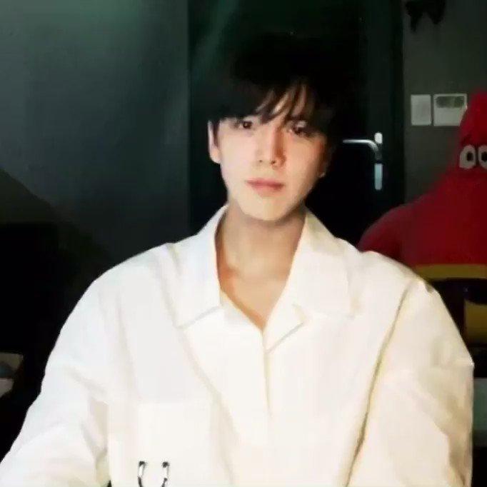 @dearhyunjaes's photo on Younghoon