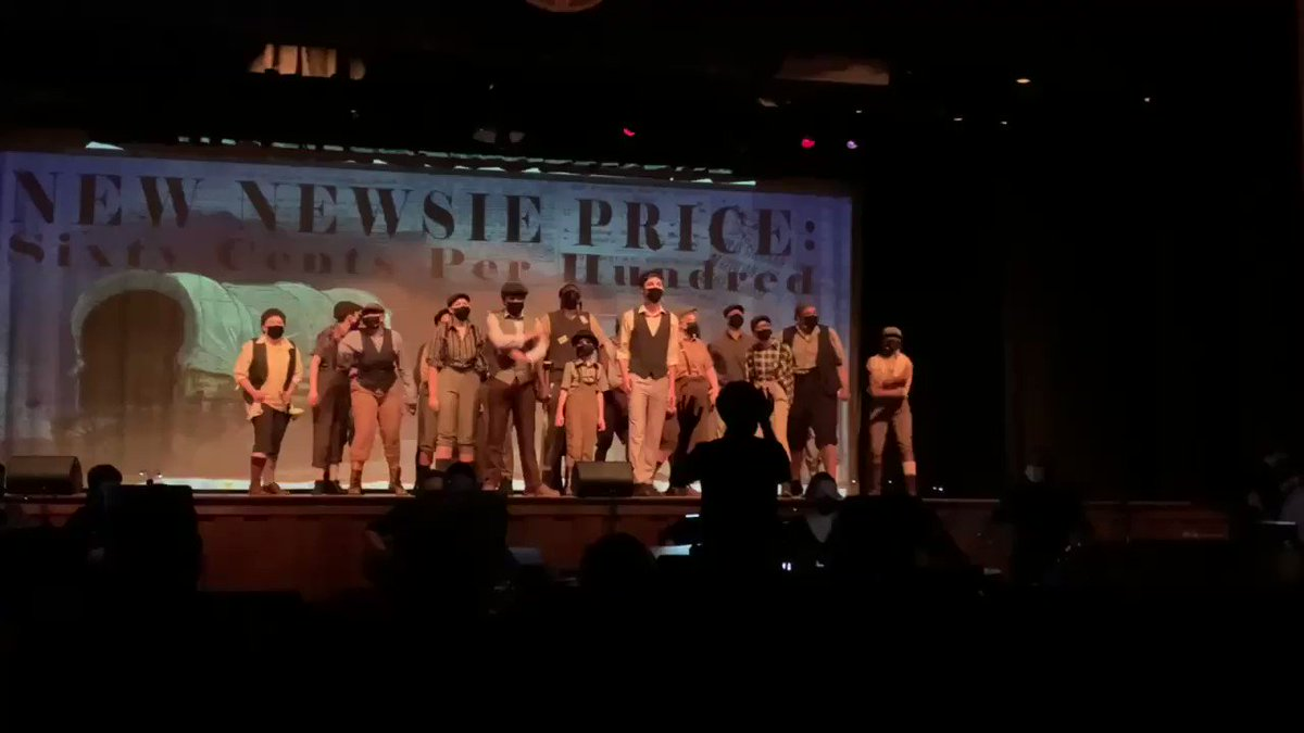 Interesting coincidence that my daughter just did Newsies as WE ARE CLOSED and NOBODY WANTS TO WORK ANYMORE is trending. People deserve a living wage. https://t.co/7LNRYwDreo