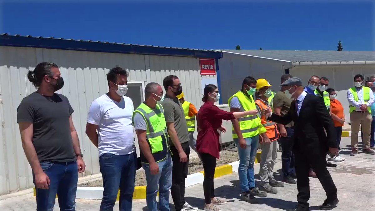 Image for the Tweet beginning: İzmir'in dört yanını demir ağlarla