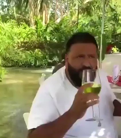 RT @Subroza: When its the first day after ramadan and you eat/drink during the day https://t.co/BMpTiFkkwA