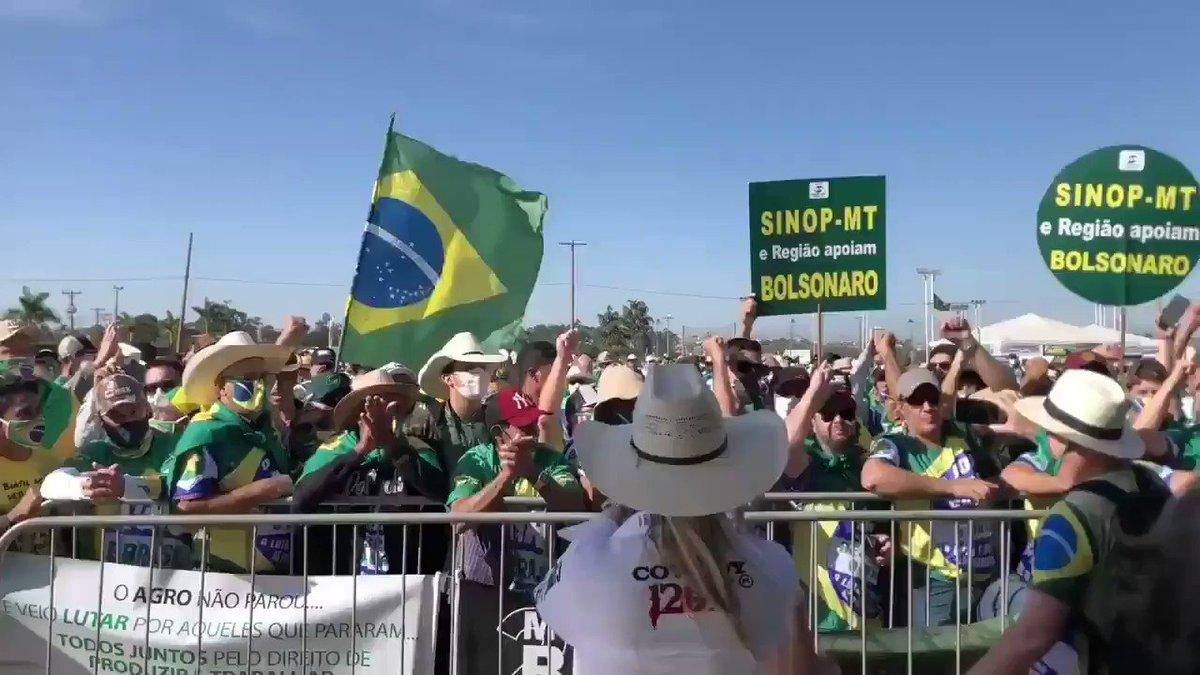 BRASÍLIA ACORDOU ASSIM!🛰 NOSSA BANDEIRA JAMAIS SERÁ VERMELHA.✍ 🇧🇷🇧🇷🇧🇷 https://t.co/EBLnoSeeub