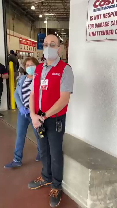Former child star Rick Schroder harasses a Costco employee over face masks https://t.co/HRlWeJJlt1