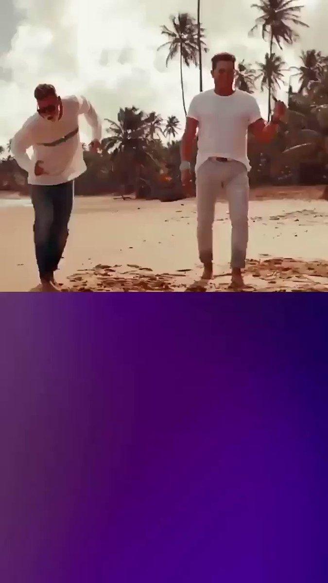 #InstagramHistory #InstaStory Lo logramos!!! 💪 #Puesto #1 #RankingVale #SigamosVotando   👉 #AVotar  👉 @Vale975 👉#CanciónBonita  @ricky_martin ❤❤❤ #RickyMartin @carlosvives  @RMwebteam @inpulsemedia @perfpartnerspr  @DruckerRebecca #SexySouls @SonyMusicLatin @SonyMusicArg