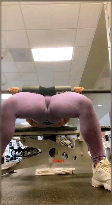 Muy juiciosa en el gimnasio una de las cosas que más me gusta hacer... Cuál creen que son otras... Ingresen