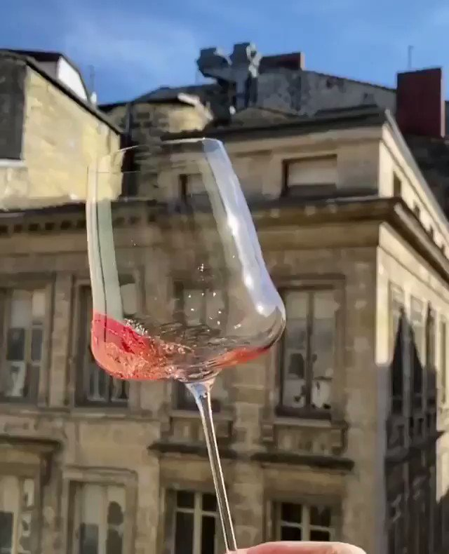 Image for the Tweet beginning: Happy Wine Wednesday!  📹: @mllesud on