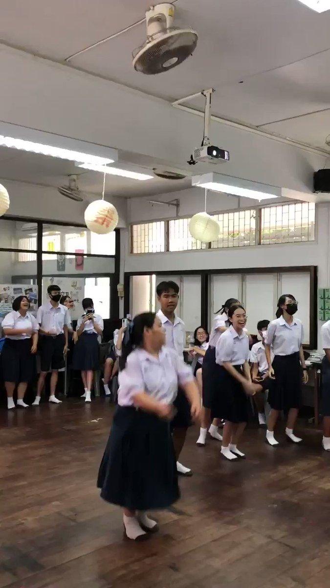 タイの高校生の日常!昼休みはダンス教室