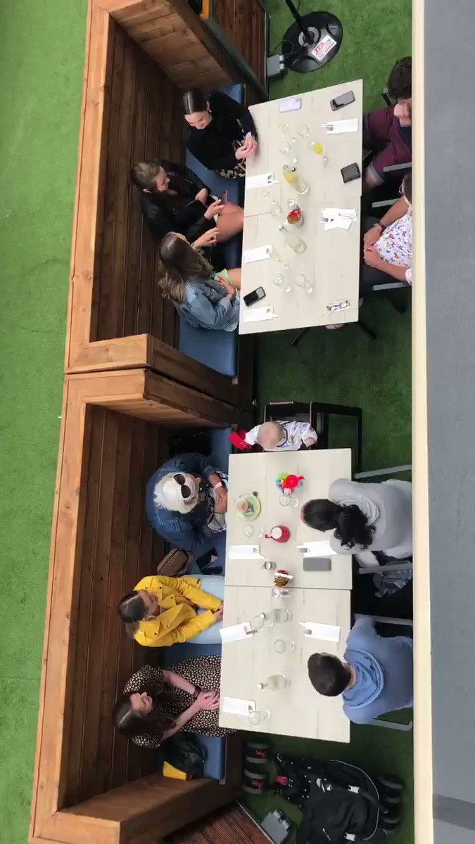 Such a nice feeling to have a full house for brunch today 😊 Nice aerial view of our first sitting 🥳#dwyersbrunchsquad #welcomebackcork @corkbeo @yaycork @pure_cork https://t.co/UJ0hHnJtdg