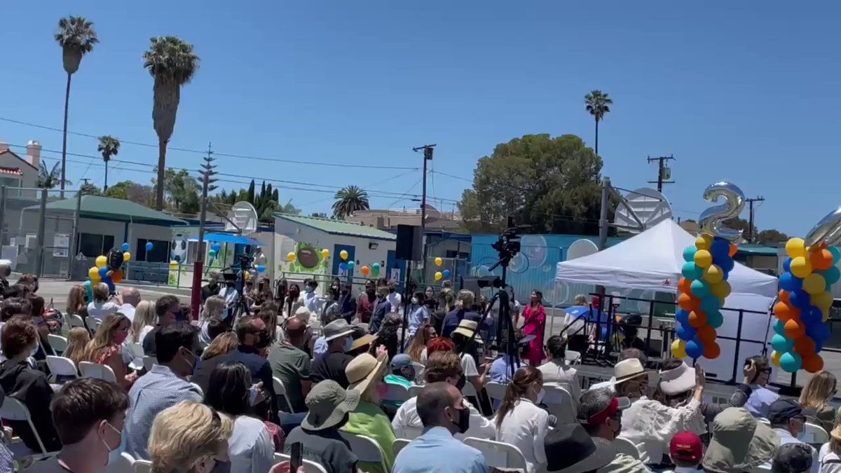 Lovely 5th grade promotion (1 of2)at @franklin_bolts today! The students were great sharing their favorite Franklin memory! Great to celebrate in person! @shynding @santamonicacity https://t.co/Oqod1mEyN5