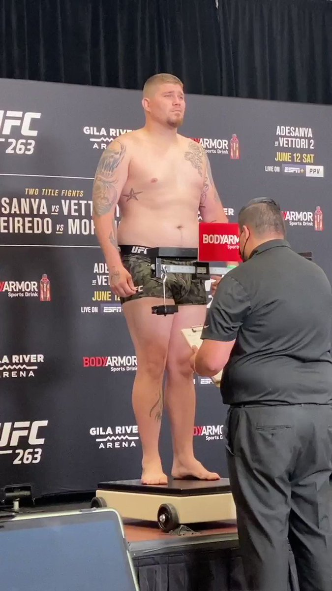 #UFC263 official weigh-in results: Jake Collier (@Jakecollier88)264.5 https://t.co/xIRGaPKwUr