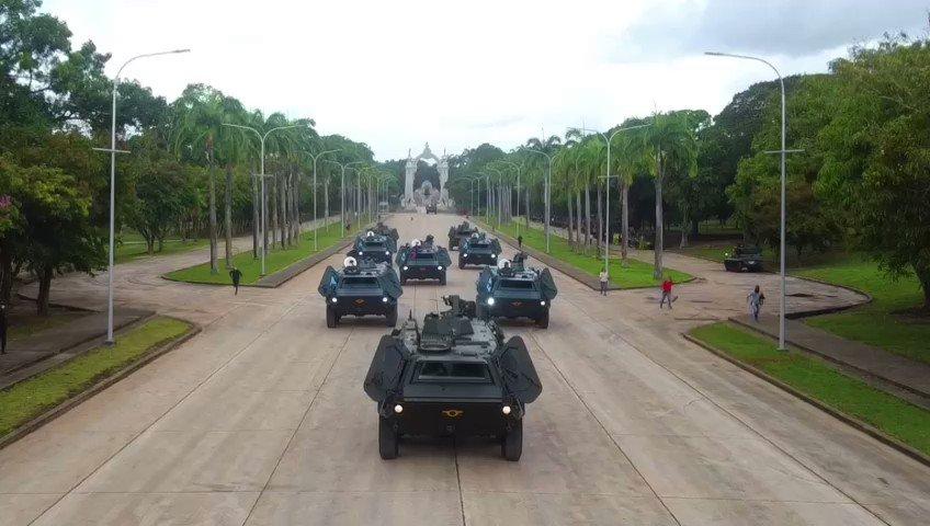 """¡La Patria primero! Hemos recuperado 9 vehículos blindados de transporte TPZ """"Transportpanzer"""", dotados al Ejército en la década de los 80, gracias a la determinación patriótica de sus soldados y soldadas. Nada es imposible cuando se quiere. #RumboAlBicentenario https://t.co/3BpixYPYWa"""