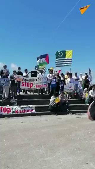 #Breaking - UPDATE | Hundreds of supporters of 'Kashmir's self-determination' gather in #Cornwall for protest   https://t.co/8YxjUCYxtm #SputnikUpdates #UK #Kashmir #BreakingNews https://t.co/qKBUfzlCgi