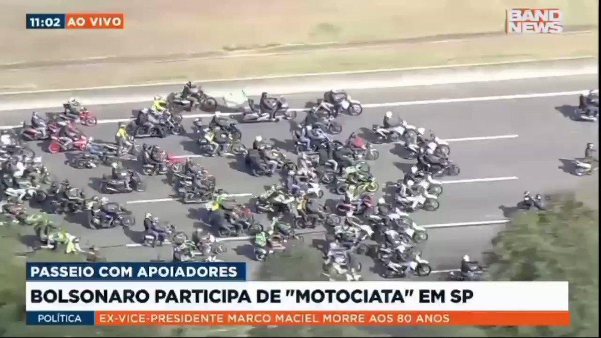 Motociata de Bolsonaro gera acidente em São Paulo. https://t.co/g4Xnq0hMBA