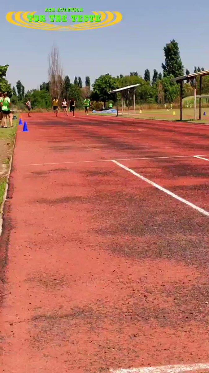 #velocità anche per gli #atleti più grandi. Partenza da 60m e da 80m. Tempi molto #interessanti.  #lazio #roma #fidalroma #fidallazio #impegno #atletica #velocità #atleticatortreteste #verdefluo #fast #run #correre #running #fit #fitness #motivation #coraggio #sport #sprint https://t.co/jItbBk0ael
