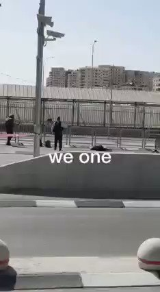 Fuerzas de ocupación israelíes asesinan a una mujer palestina en el checkpoint de Qalandia hoy. https://t.co/71Nk8WZNy7