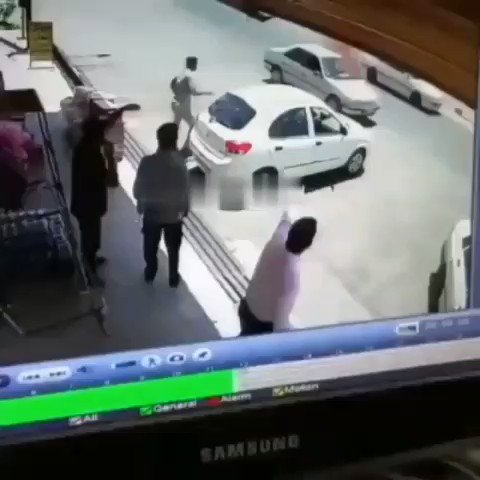 Viral video in Iran: A man whose car catches fire in downtown Tehran takes some water from a nearby store and pours it on the car to contain the fire, but see what happens... https://t.co/PqkUKZr6pI