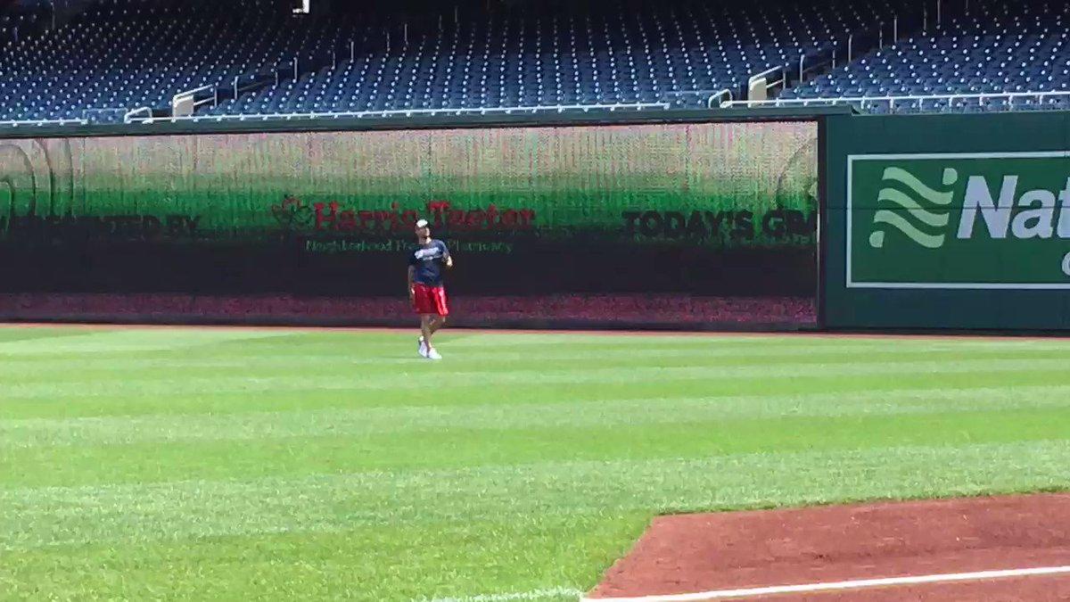 RT @MarkZuckerman: As advertised, Max Scherzer playing catch. https://t.co/Jf1U5odjiz