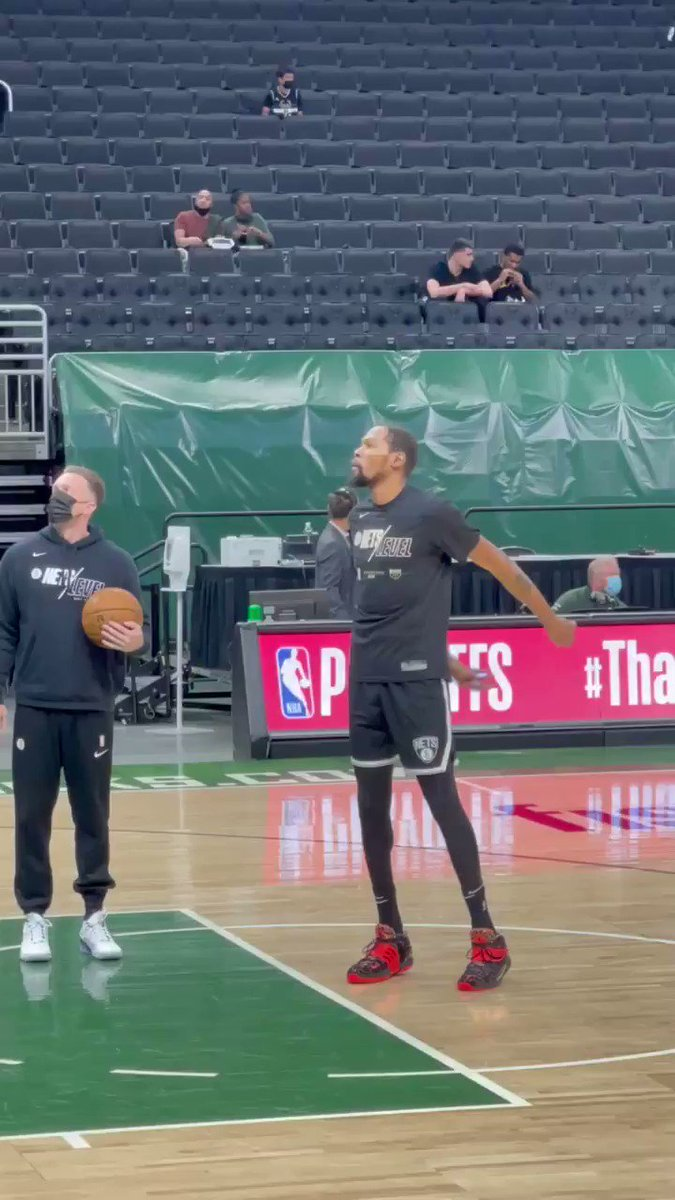 RT @BenGolliver: Kevin Durant shows love to Nets fans in Milwaukee before Game 4 vs. Bucks https://t.co/g4BVKtqZvt