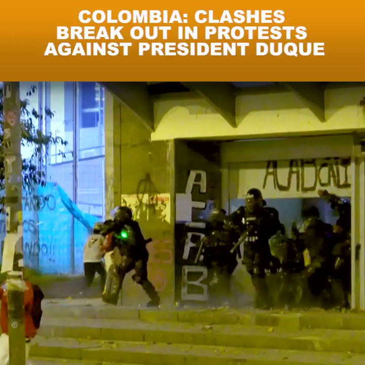 RT @telesurenglish: #Colombia   Police officers keep repressing demonstrations. https://t.co/axIc0t0T7Y