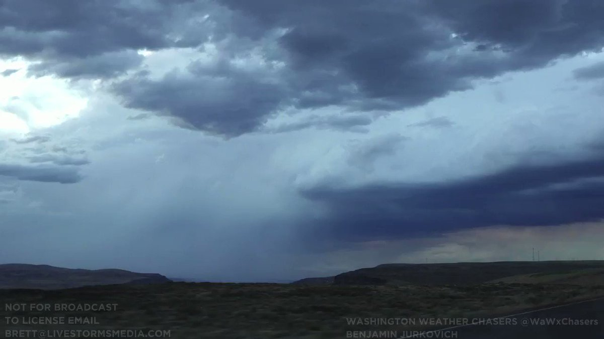 NEW #VIDEO! Here are a few highlights from today's chase in Eastern Washington. The highlight of the day was the perfectly timed CG bolt right over the Columbia River near Vantage, WA with the I-90 bridge in the foreground. #wawx #storm #pnw https://t.co/2n2RTBYOEg